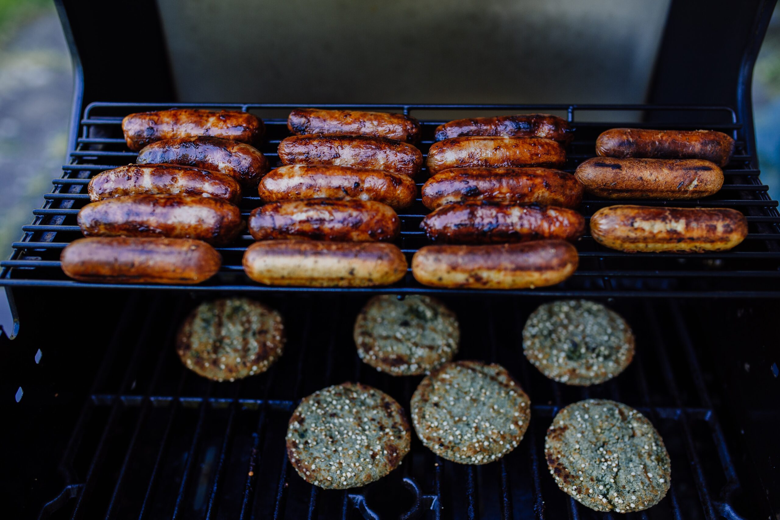 sausage-sizzle-returns-to-bunnings